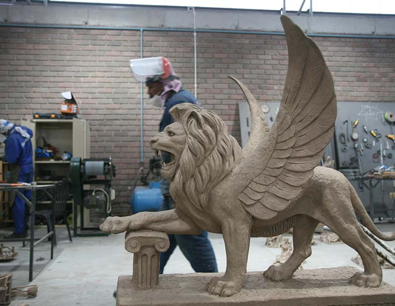 Griffin - Lion with wings Sculpture